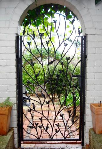 floral-and-leaf-garden-gate