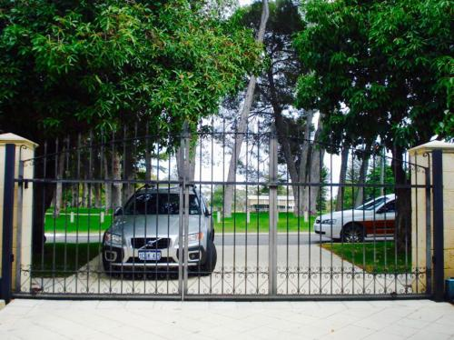 spearhead-automated-driveway-gate